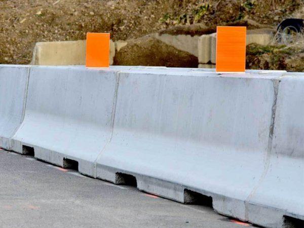 road-barrier2